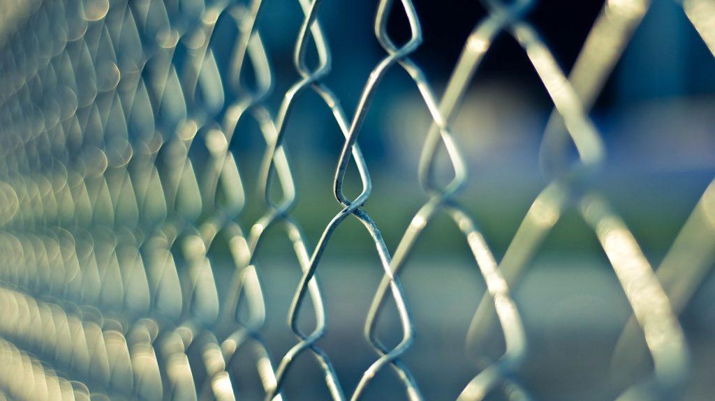 Vordering tot heroeping van de voorwaardelijke invrijheidstelling - Problemen met justitie